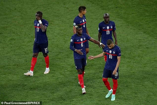 Kylian Mbappé estaba inconsolable después de fallar el penalti crucial para enviar a Francia a casa
