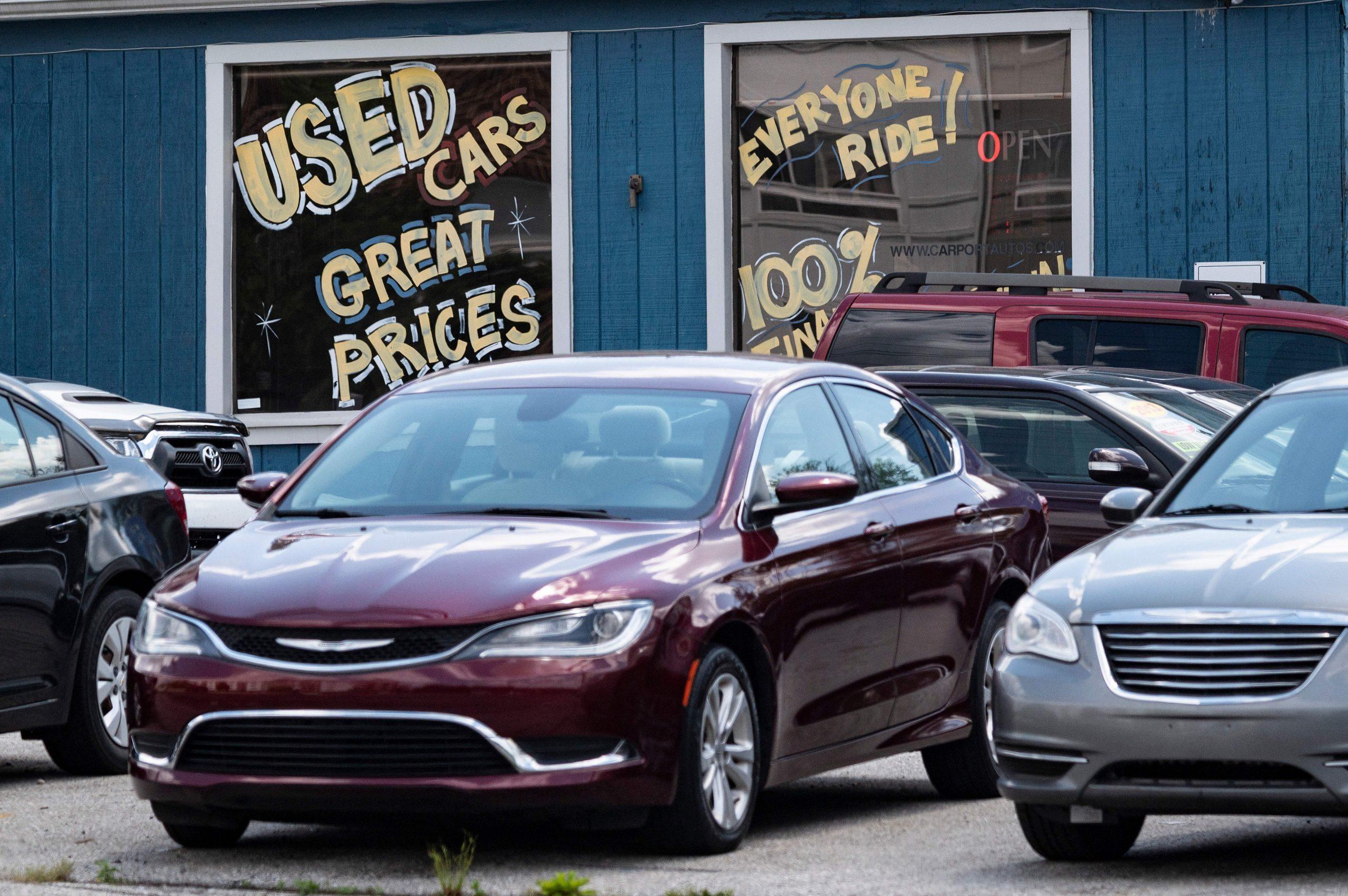 El aumento de los precios de los automóviles usados, la gasolina, los alimentos y las tarifas aéreas está impulsando el aumento de la inflación