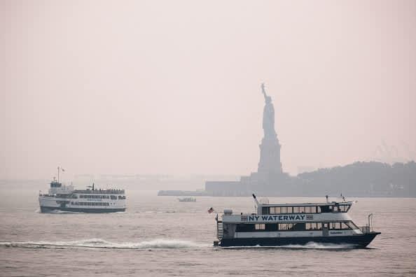 El humo de los incendios forestales occidentales está dañando la calidad del aire en la costa este