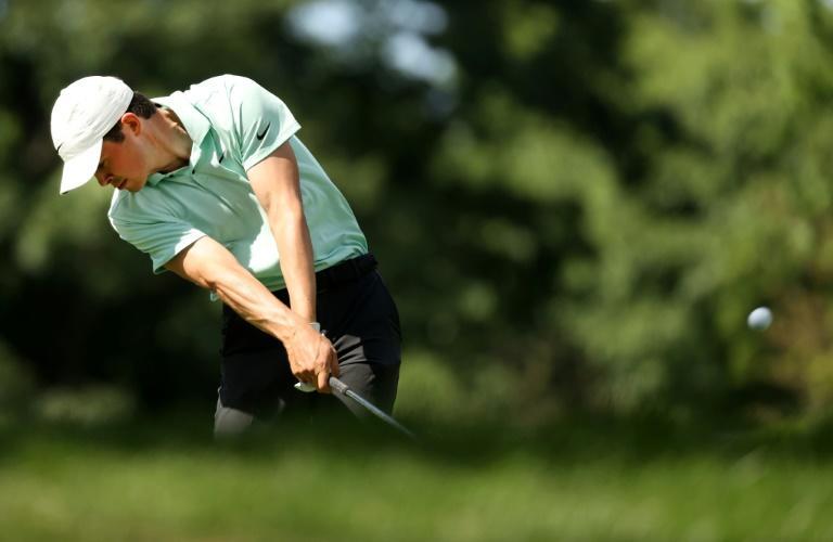El novato de la PGA Thompson toma la primera ventaja en Detroit