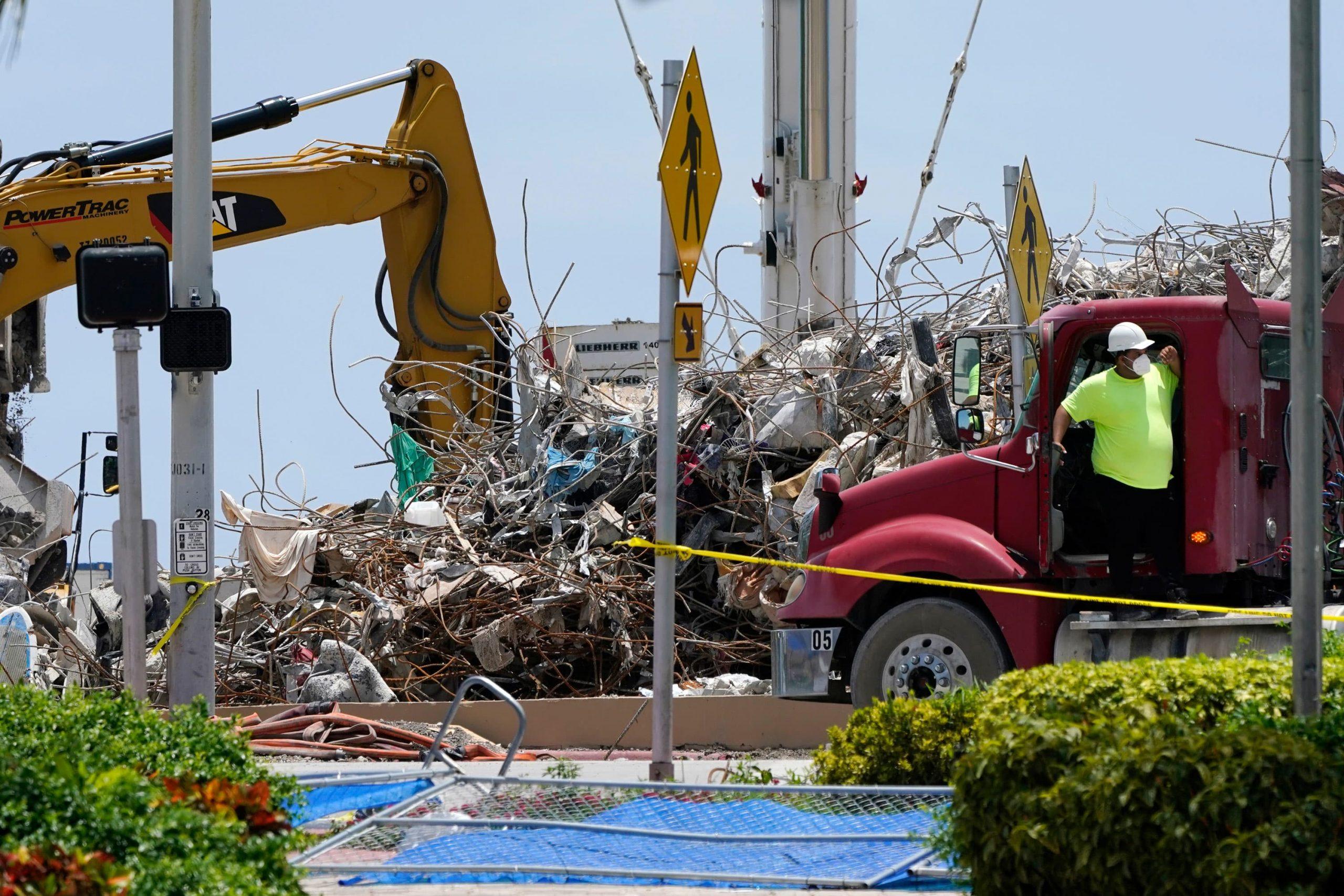 El número de muertos aumenta a 97 en el colapso de un condominio en Surfside;  juez aprueba la venta del sitio