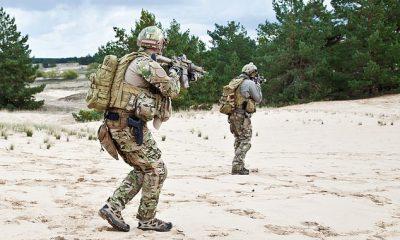Estados Unidos `` fracasó miserablemente '' en un ejercicio de juegos de guerra en 2020, solidificando la necesidad de modernización del Pentágono.  Arriba, soldados estadounidenses durante una operación militar.