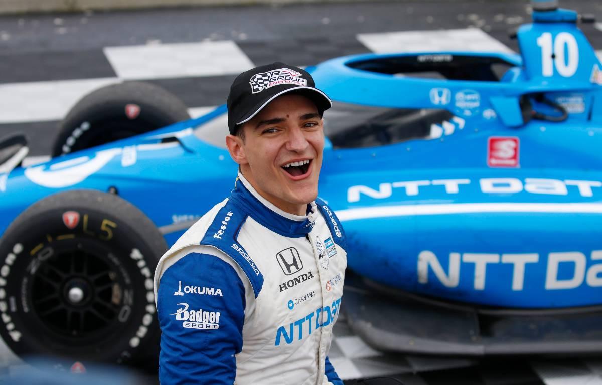 Fernando Alonso elogia a Alex Palou de IndyCar como 'un fenómeno'