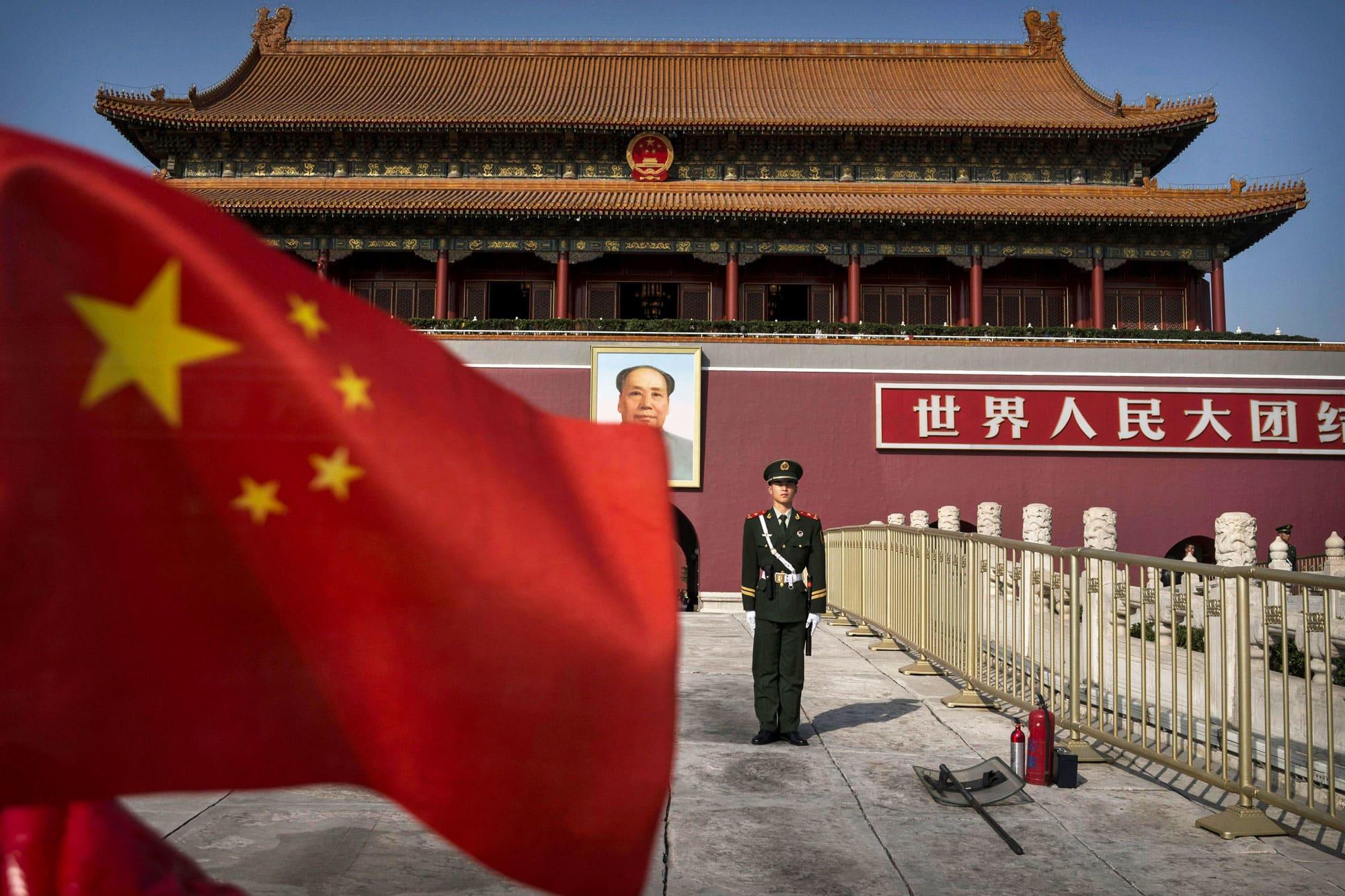 Fiscal chino, ex policía de NYPD acusado de acecho y hostigamiento a residentes de EE. UU. En nombre de China