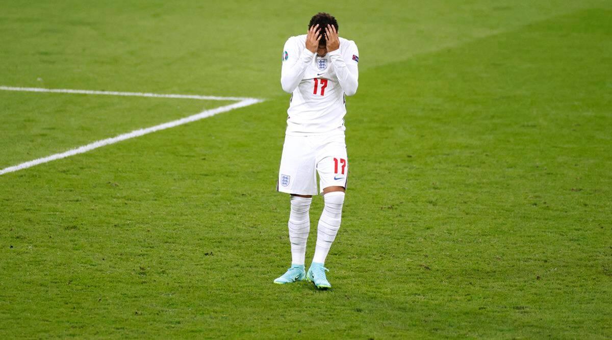 jadon sancho, jadon sancho missed penalty, jadon sancho racism jadon sancho apology, jadon sancho euro 2020 final