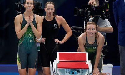 Australia quedó atónita en la final del 4x200m estilo libre femenino con China y EE. UU. Cazando a las fuertes favoritas y las Golden Girls del país.  Foto de la alineación ganadora de la medalla de bronce de Australia de Ariarne Titmus, Emma McKeon y Madison Wilson después de que Leah Neale terminara en tercer lugar