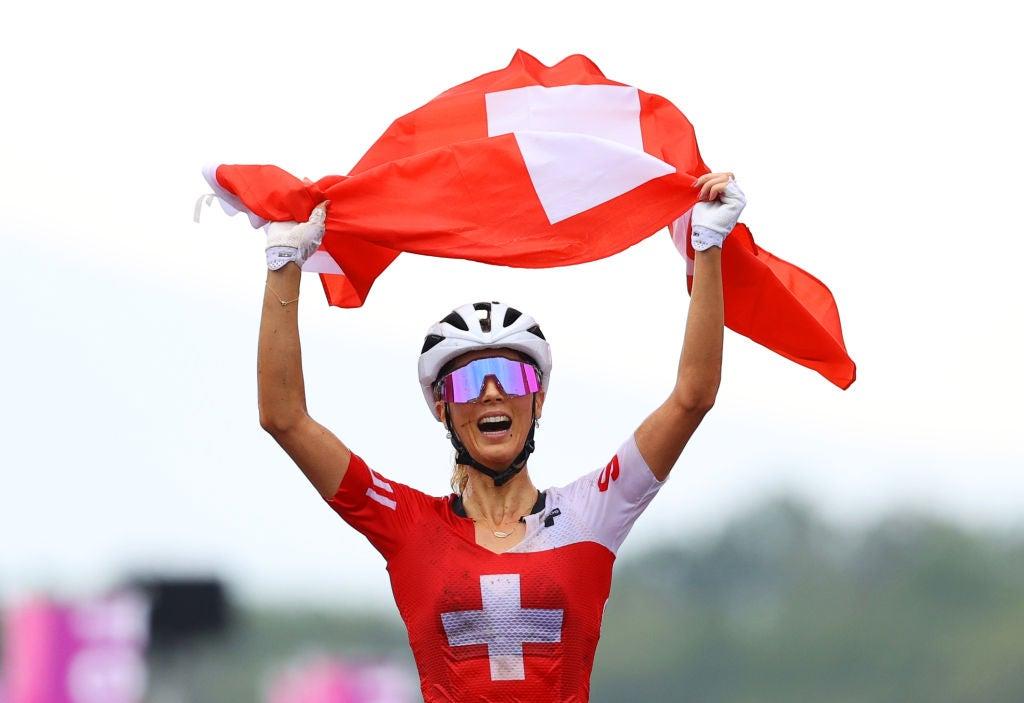 Juegos Olímpicos de Tokio: Jolanda Neff se lleva la victoria mientras los suizos dominan y los franceses flaquean