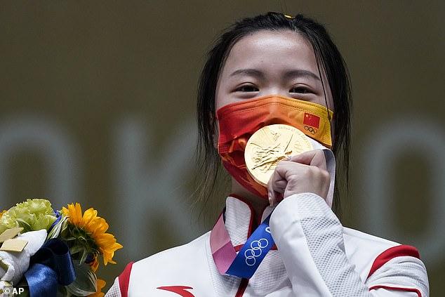 Yang Qian de China reclamó la primera medalla de oro de los Juegos Olímpicos de Tokio el sábado