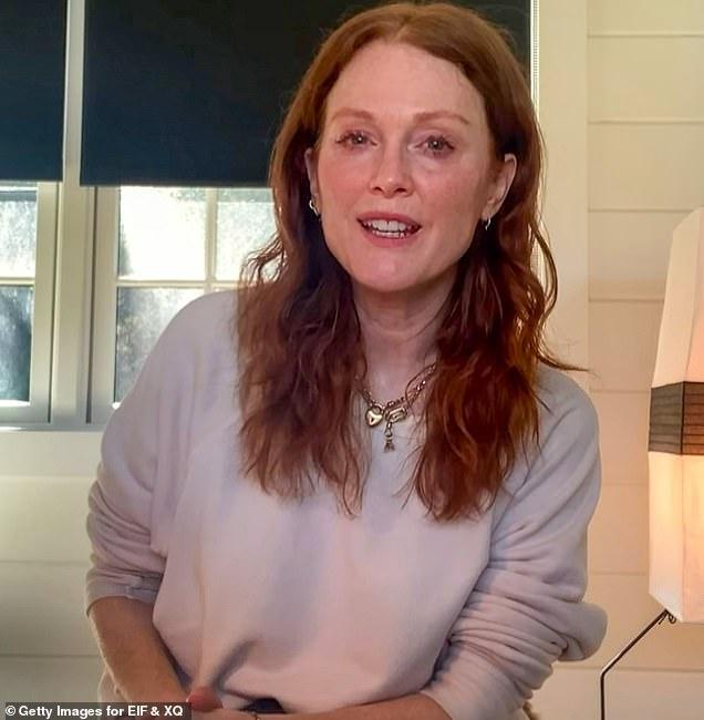 Julianne Moore critica la frase 'envejecer con gracia' como 'totalmente sexista'