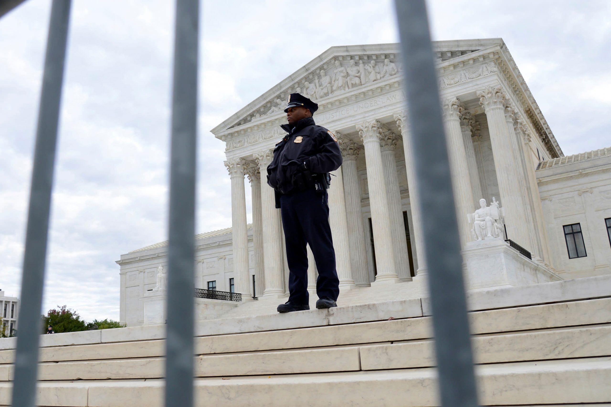 La Corte Suprema se niega a decidir si el dueño de una florería religiosa puede negar las bodas entre personas del mismo sexo