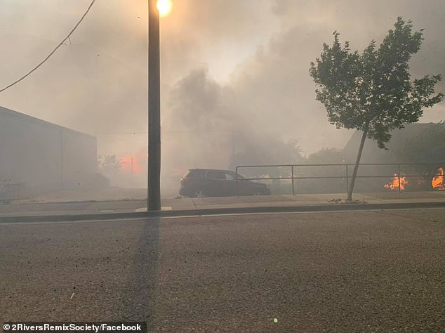 Lytton en la Columbia Británica fue consumida por las llamas el miércoles por la noche, un día después de experimentar el clima más caluroso jamás registrado en Canadá -121F