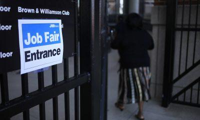 Persisten las demoras en las prestaciones por desempleo, más de un año después de la pandemia