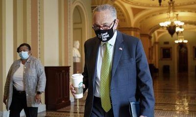 El líder de la mayoría del Senado, Chuck Schumer (en la foto de arriba el 31 de julio) dice que las negociaciones están avanzando sobre el proyecto de ley de infraestructura bipartidista de $ 1.2 billones