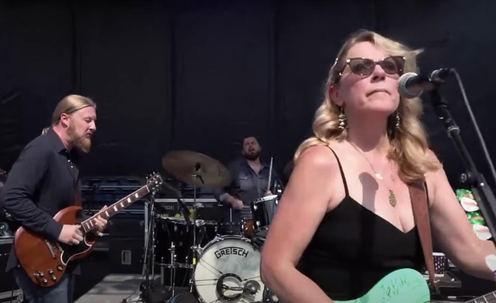 Vea la versión de la banda de Tedeschi Trucks sobre Derek and the Dominos Songs en 'CBS This Morning'