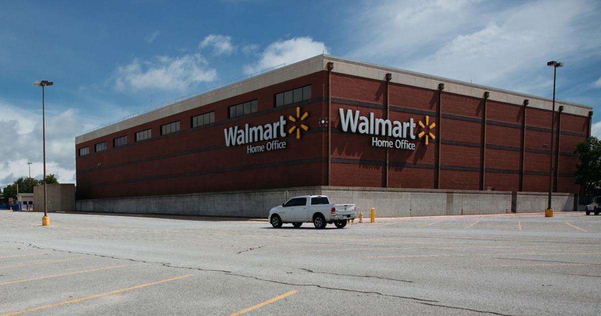 Walmart, el mayor empleador de EE. UU., Ordena al personal que vacune
