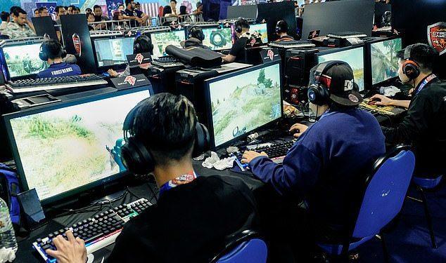 Las nuevas regulaciones en China limitan la cantidad de juegos en línea de los niños a solo tres horas a la semana, en comparación con 1.5 horas al día