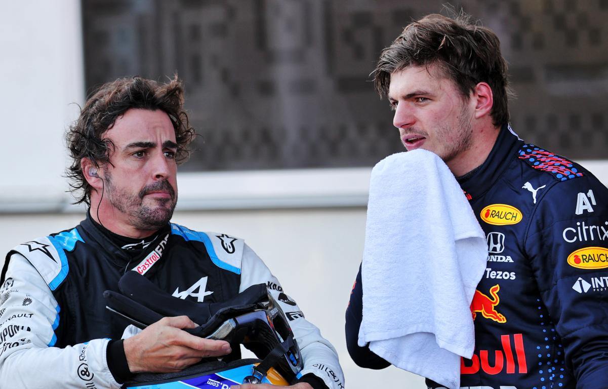 Fernando Alonso sigue esperando un 'regalo' de sus rivales de F1