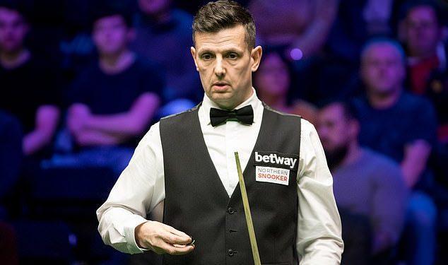 Los jugadores de billar británico Peter Lines supuestamente le pidieron a su rival chino que peleara con él después de una derrota.