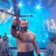 La voz de Michael Cole se escuchó junto con el ruido de la multitud durante la entrada de Drew McIntyre en WWE Raw