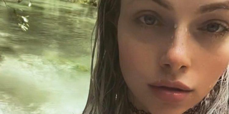Liv Morgan aturde en una nueva foto de bikini diminuta