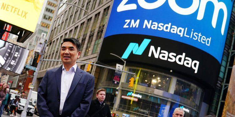 Acciones que hacen los mayores movimientos en el mercado previo: Zoom Video, Robinhood, Marcas de diseñadores y más
