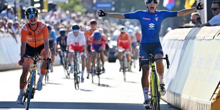Campeonato del Mundo de Ruta 2021: la italiana Elisa Balsamo supera a Marianne Vos para llevarse el maillot arcoíris