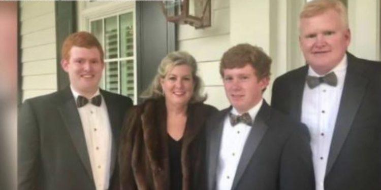 El abogado de Carolina del Sur, Alex Murdaugh, renunciará al bufete y entrará en rehabilitación después de que mataran a tiros a esposa e hijo