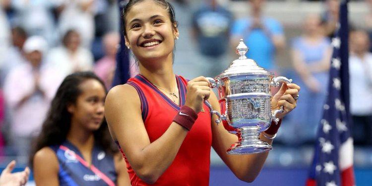 Emma Raducanu escribe historia, vence a Leylah Fernández para ganar el US Open inaugural