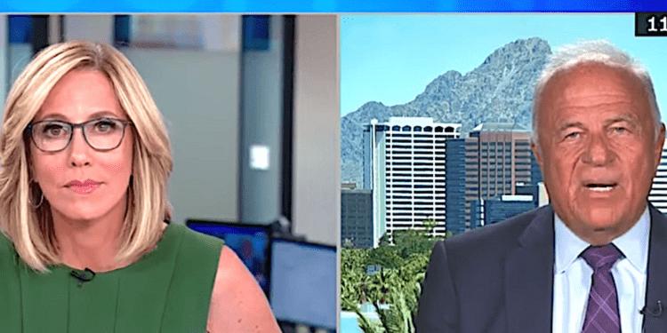 Ex Arizona AG critica a los Cyber Ninjas 'Grifter' en una auditoría de votación fallida