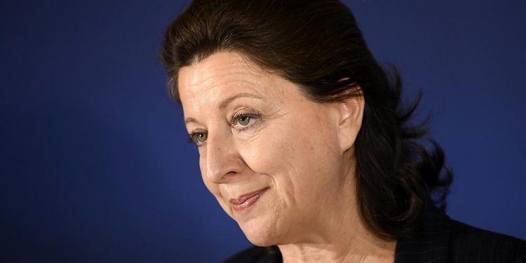 Exministro de salud de Francia acusado en investigación por manejo de COVID-19