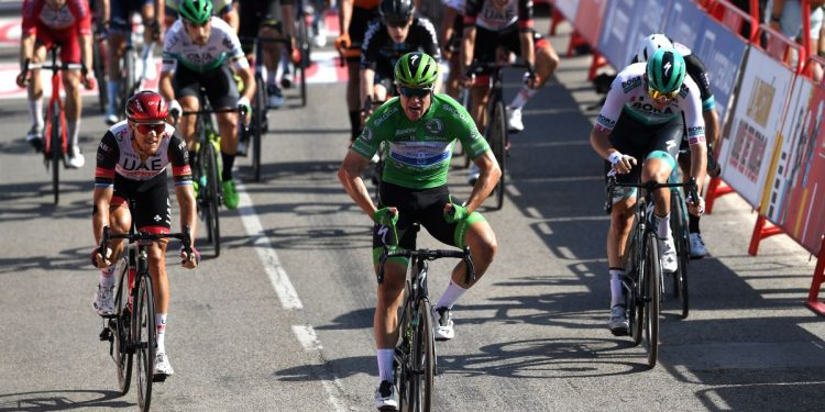Fabio Jakobsen muestra su dominio en la tercera victoria de la Vuelta a España 2021 en la etapa 16