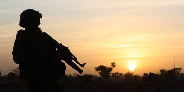 Grupos armados matan y reclutan más niños en Níger: Amnistía
