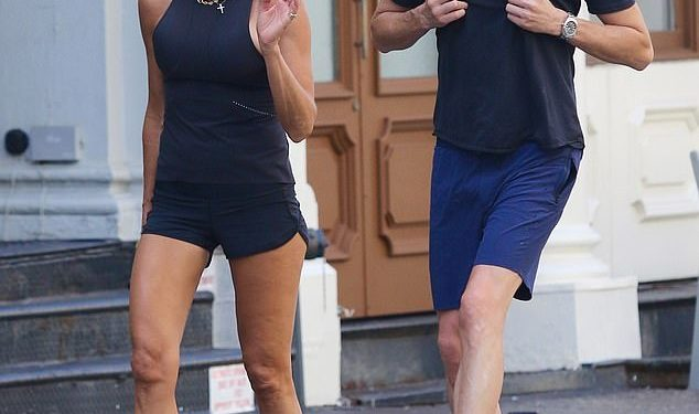 Kelly Bensimon y Nicholas Stefanov no pudieron quitarse las manos de encima en un entrenamiento en Nueva York