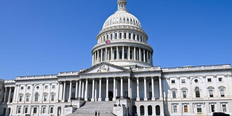 Los demócratas de la Cámara proponen nuevas reglas del plan de jubilación para los ricos, incluidos los límites de contribución y la derogación de las conversiones de Roth.