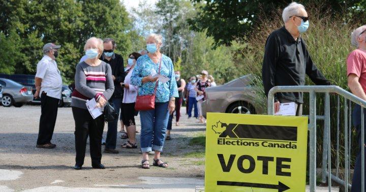 Los votantes describen largas esperas y sentimientos encontrados a medida que se abren los colegios electorales avanzados en London Ont.  - Londres