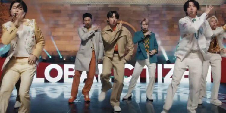Mire a BTS inaugurar el festival de 24 horas de Global Citizen con 'Permiso para bailar'