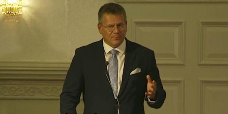 'No necesito ninguna victoria política aquí, quiero encontrar una solución' - Šefčovič