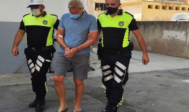 El detective Christopher Browning, de 60 años, (en la foto fuera del tribunal) fue arrestado en las primeras horas del 2 de septiembre después de la colisión cerca de Esentepe, una aldea en el norte de Chipre.