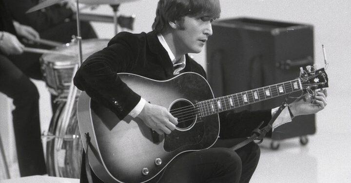 Recuerdos raros de los Beatles, entrevistas de John Lennon descubiertas durante la limpieza de la pandemia
