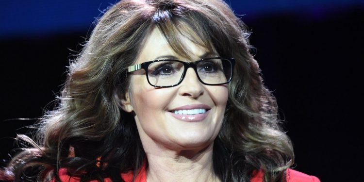 Sarah Palin dice que no está vacunada porque cree 'en la ciencia'