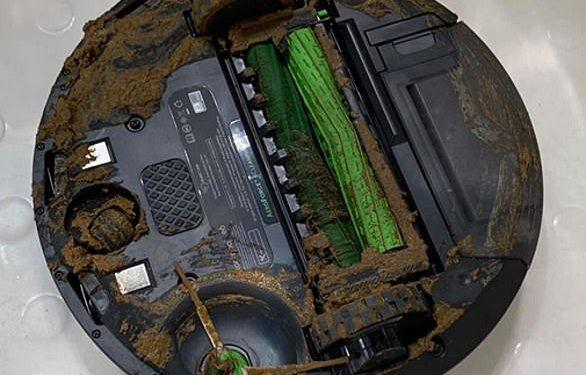 El robot Roomba del señor Ladry, en la foto, fue más un obstáculo que una ayuda cuando entró en contacto con la caca de su mascota.