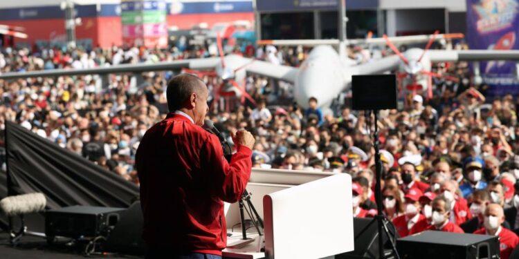 Turquía planea una gira con drones para mostrar la guerra futura
