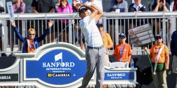 Un profesor de matemáticas renunció a su trabajo para jugar golf, ahora juega entre leyendas como John Daly en el PGA Tour Champions