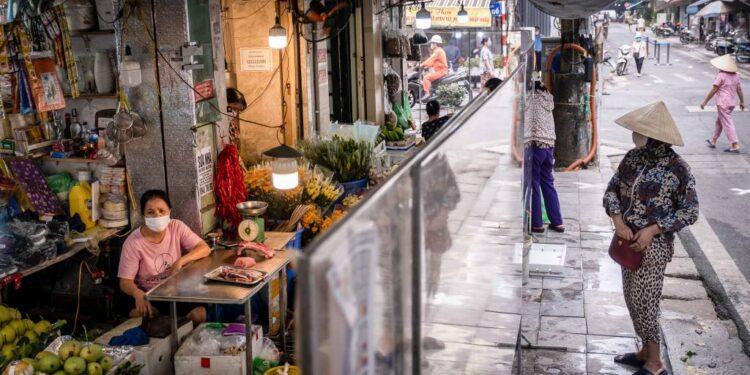 Vietnam se prepara para la caída del PIB mientras COVID aprieta la economía