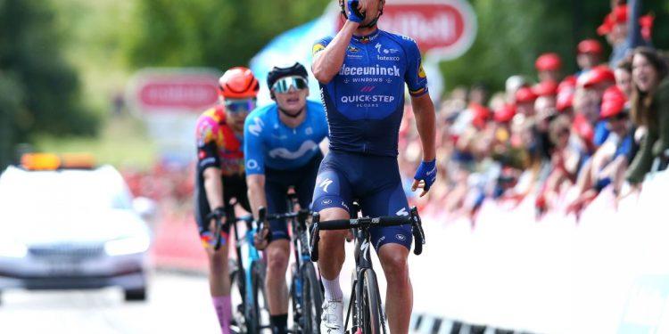 Yves Lampaert arremete para ganar en la escapada después de una clase magistral táctica en la séptima etapa del Tour de Gran Bretaña 2021