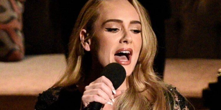 Adele compra hoteles de Las Vegas para su residencia, ya que `` no girará con música nueva ''