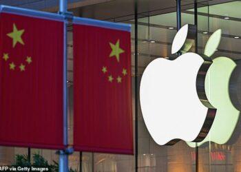 Apple eliminó una popular aplicación del Corán en China después de que supuestamente alojaba 'textos religiosos ilegales'