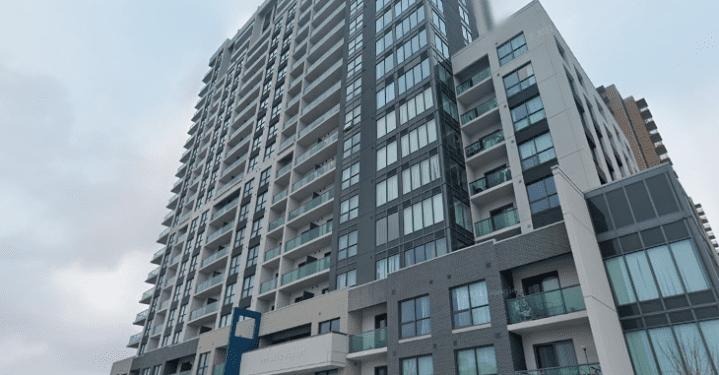 """Balcones considerados """"inseguros"""" en Londres, Ontario.  rascacielos donde un niño cayó fatalmente - Londres"""