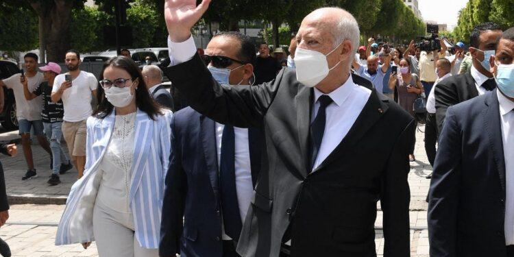 El presidente de Túnez, Saied, aprueba nuevo gobierno