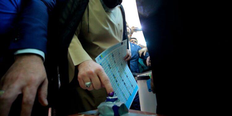 El voto iraquí impulsado por las protestas masivas de 2019 se ve empañado por el boicot al voto